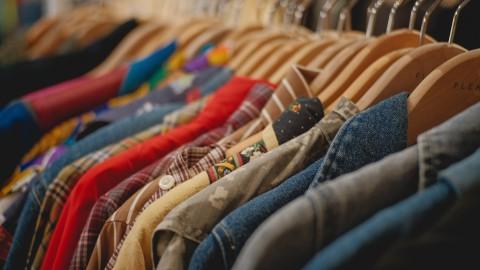 Hoe kan je duurzaam omgaan  met kleding ?