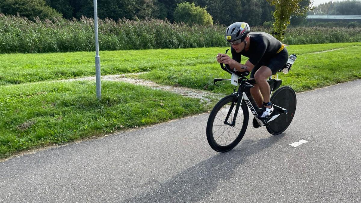 Sarissa de Vries wint WK Triathlon Almere