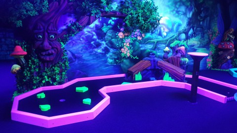Glow in the dark midgetgolf: Jacks Magic Forest opent vandaag!