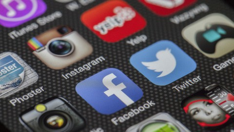 Volg ons ook op Sociale Media