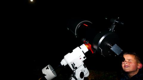 Donkere en spannende Nacht van de Nacht activiteiten op 5 locaties