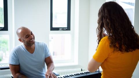 Vandaag maak je kans op een zangles met stage coaching en drie gesigneerde cd's van Ruben Anthony t.w.v. 95,00 euro!