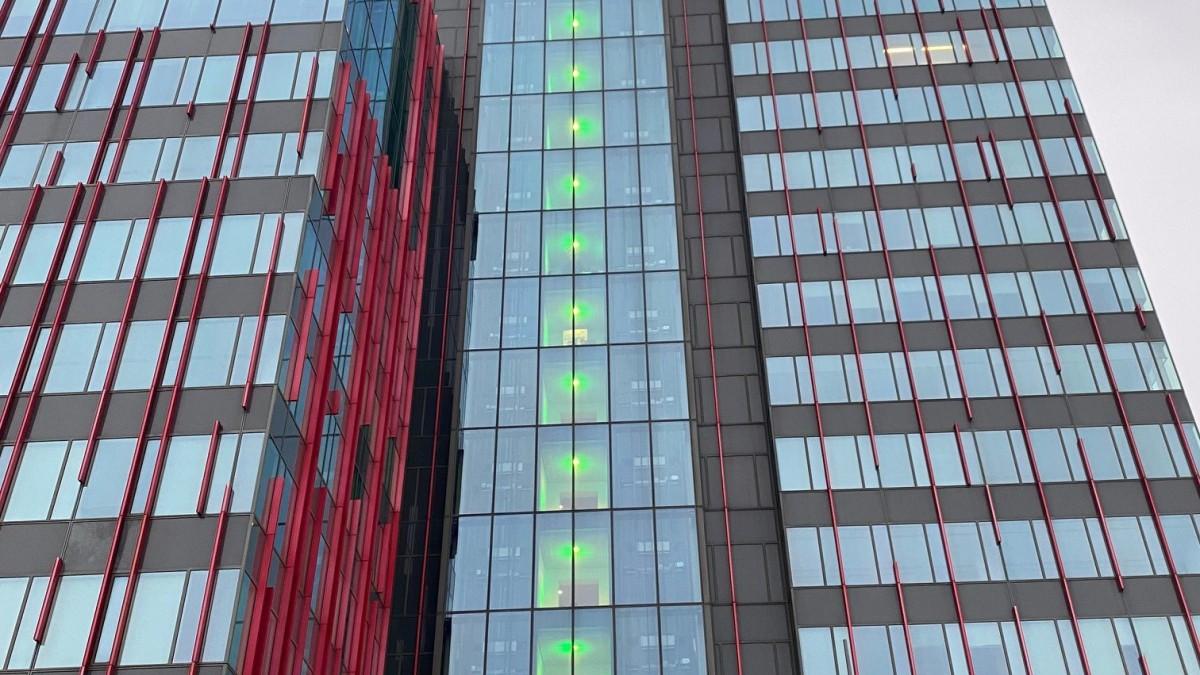 Vaccinatiegraadmeter WTC Almere krijgt er weer wat groene verdiepingen bij