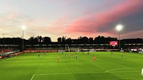 Almere City FC struikelt over Amsterdamse branie