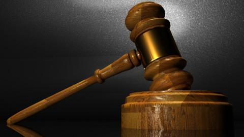 Gemeente: 'Dakloos gezin heeft geen recht op opvang'