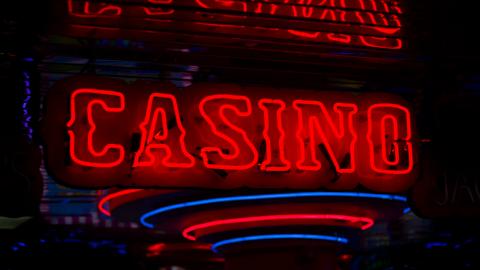 Twee maanden uitstel voor nieuwe wet online gokken