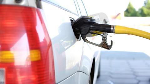 Nieuwe brandstof E10 niet geschikt voor alle auto's