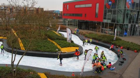 """Schaatsactiviteiten op de ijsbaan van het Schipperplein: """"Almere on Ice"""""""