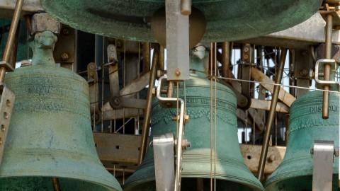 Almeerse stadsbeiaardiers doen mee aan nationale bevrijdingsestafette op de carillons