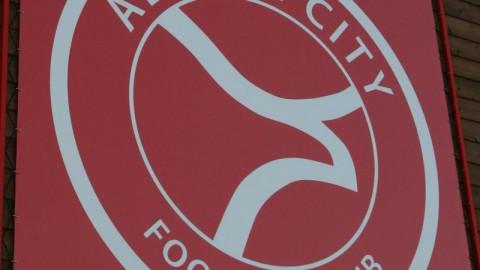 Supporters Almere City FC: ''Wij staan bovenaan''