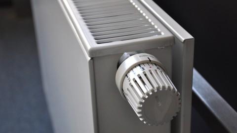 Nuon wil huizen verwarmen met superhoutkachel