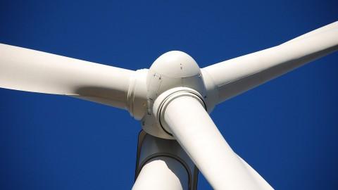 Turbinebladen van windmolens worden stoeptegels