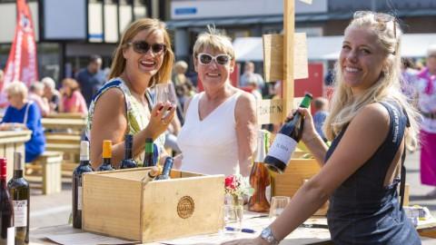 Straatacts, muziek, botters, kunst en brocante op Rabobank Almere Haven Festival