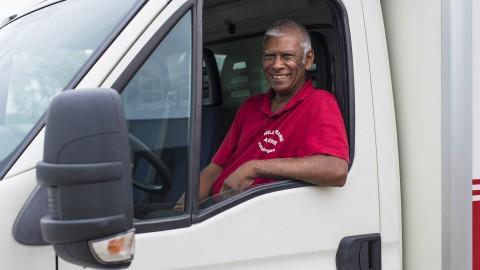 Jubilerende Almeerder kijkt terug 'Van keukentafelgesprek naar 20 jaar dienstverband'