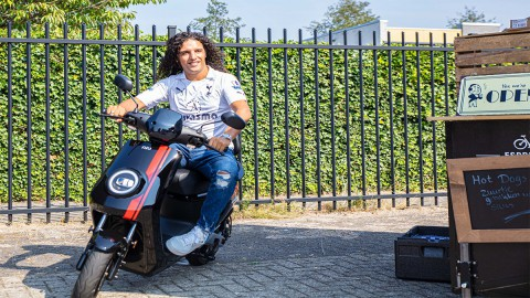 E-Scootermax opende op Zaterdag 31 augustus Europa's 1e NIU Superior Store in Almere