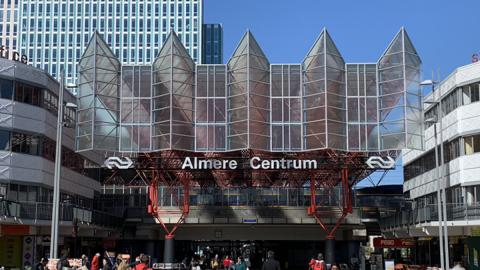 ProRail, NS en Almere presenteren plannen station Almere Centrum