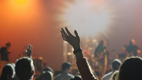 Zorgen om 'luidruchtig muziekfestival met vunzige deuntjes'
