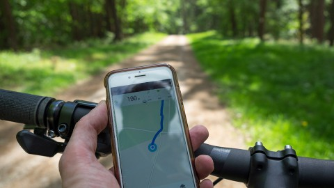 Ruim 200 boetes voor appen op de fiets