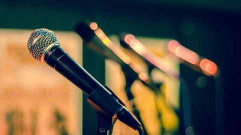 Optreden voor een lege zaal, maar wel livestreamen