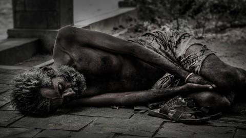Omwonenden Hospitaalgarage zijn overlast daklozen beu