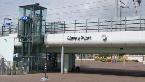 Treinverkeer Almere ligt stil na verdacht pakketje