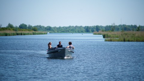 Maak vandaag kans op een dagdeel sloep varen bij Sloepverhuur Almere!