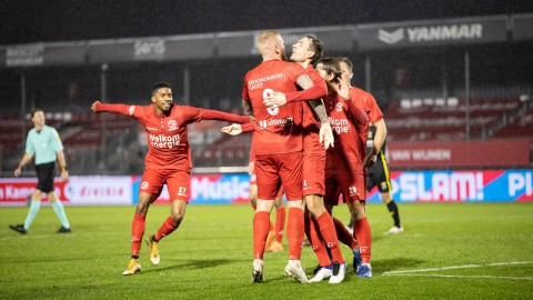 Almere City FC zoekt kerstrevanche in Eindhoven
