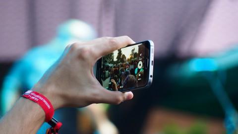 Online zetten van filmpjes en foto's van slachtoffers moet strafbaar worden