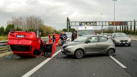 Ongeval met drie auto's op een zeer mistige A27