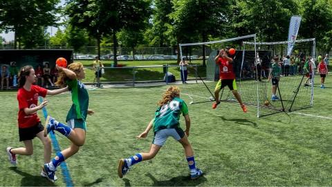 Handbalster Ten Holte leert veel bij Oranje