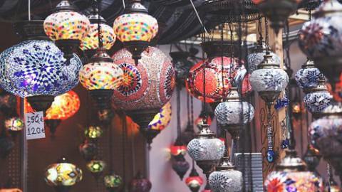 Zingende Chinees zorgt voor meer gasten in restaurant